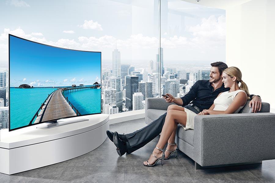Zakrivljeni Samsung UHD televizori u Sonus Artu!