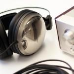 Dva para novih Audio Technica slušalk visokega razreda. ATH-A1000Z in ATH-A2000Z ter dobro znana ojačevalca za slušalke z vgrajenim DAC-om  Marantz HD-DAC 1 in Audio Technica AT-PHA100.