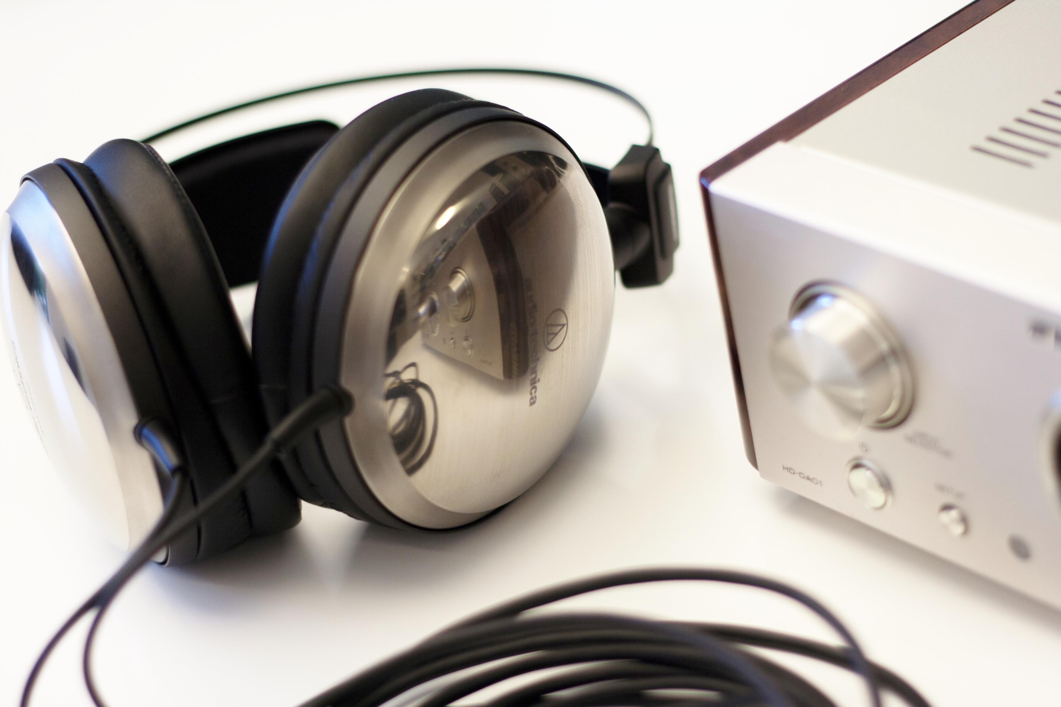 PRIPOROČILO: Najboljše slušalke za letošnji dopust