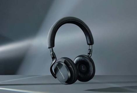Pustite hrup za seboj in uživajte v vrhunskem zvoku svoje najljubše glasbe z novimi slušalkami Bowers & Wilkins PX!